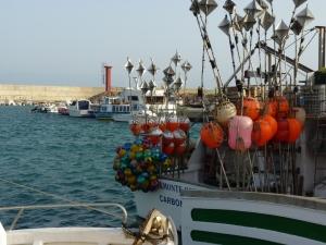 Embarcación de palangre en el puerto de Carboneras