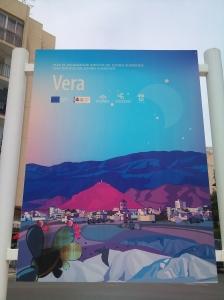 Cartel de bienvenida a Vera