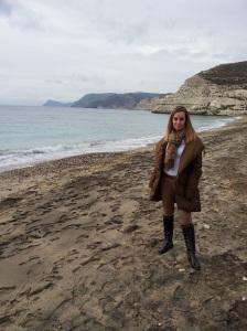 Beatriz Escribano disfrutando de las playas del Levante Almeriense