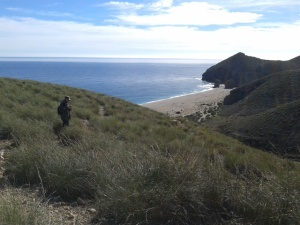 Yolanda Martínez llegando a la Playa de los Muertos